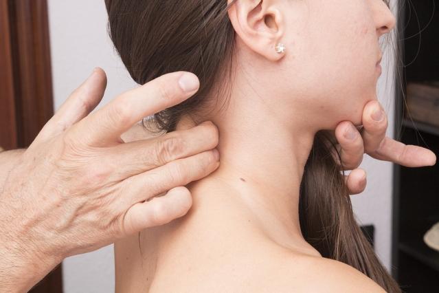 Cervicale: rimedi naturali contro la cervicalgia