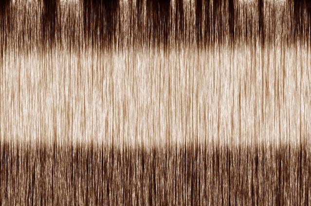Come schiarire i capelli in modo naturale: prodotti e tecniche per capelli chiari e scuri