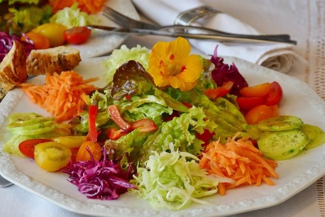 Dieta aproteica: cos'è? Cosa mangiare? Menù di esempio ed effetti collaterali