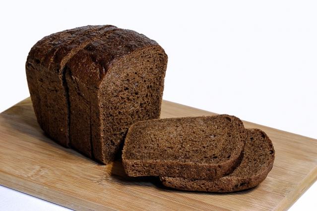 Pane di segale: proprietà, calorie e valori nutrizionali, controindicazioni e ricetta