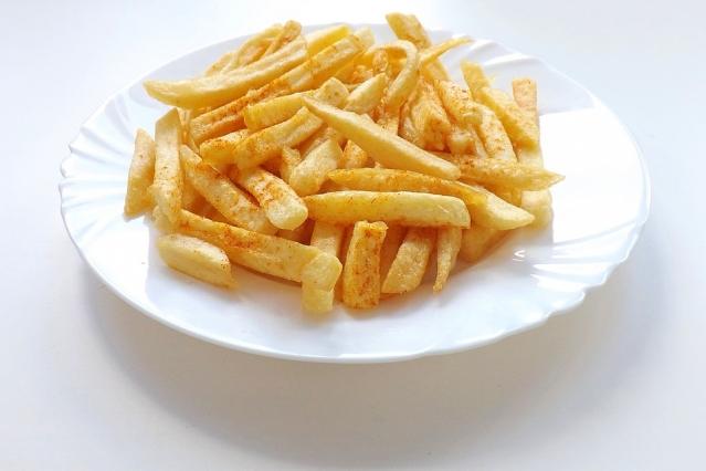 Patatine fritte: fanno male? Quante mangiarne? Proprietà, calorie e controindicazioni