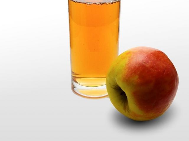 Succo di mele: proprietà, calorie ricetta e controindicazioni