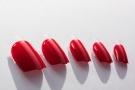Unghie finte: tipi, costi e fai da te. Come applicare e togliere le unghie adesive